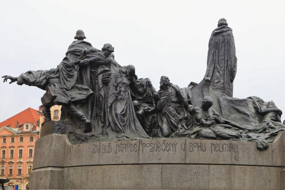 Jan Hus, John Huss, Památník Jana Husa, Jan Hus monument, Old Town Square, Staroměstské náměstí, Old Town, Staré Město, Prague, Praha, Prag, Czech Republic, Czechia, fotoeins.com