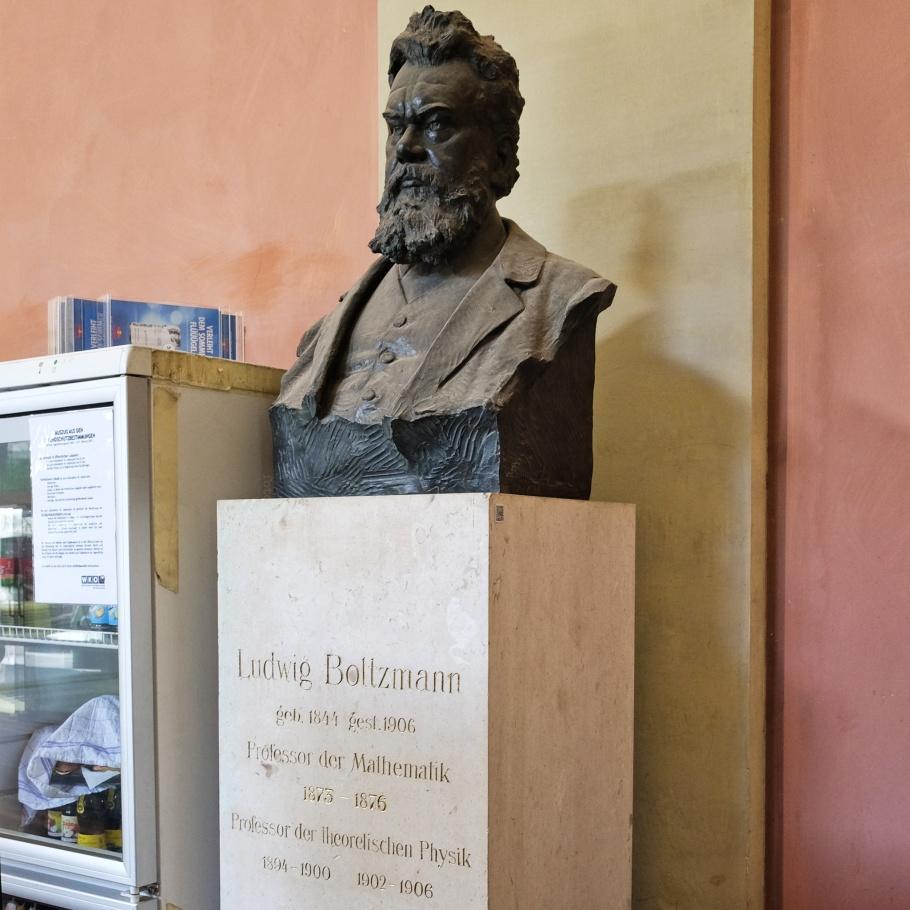 Ludwig Boltzmann, Universitaet Wien, Arkadenhof, Vienna, Wien, Austria, Oesterreich, fotoeins.com