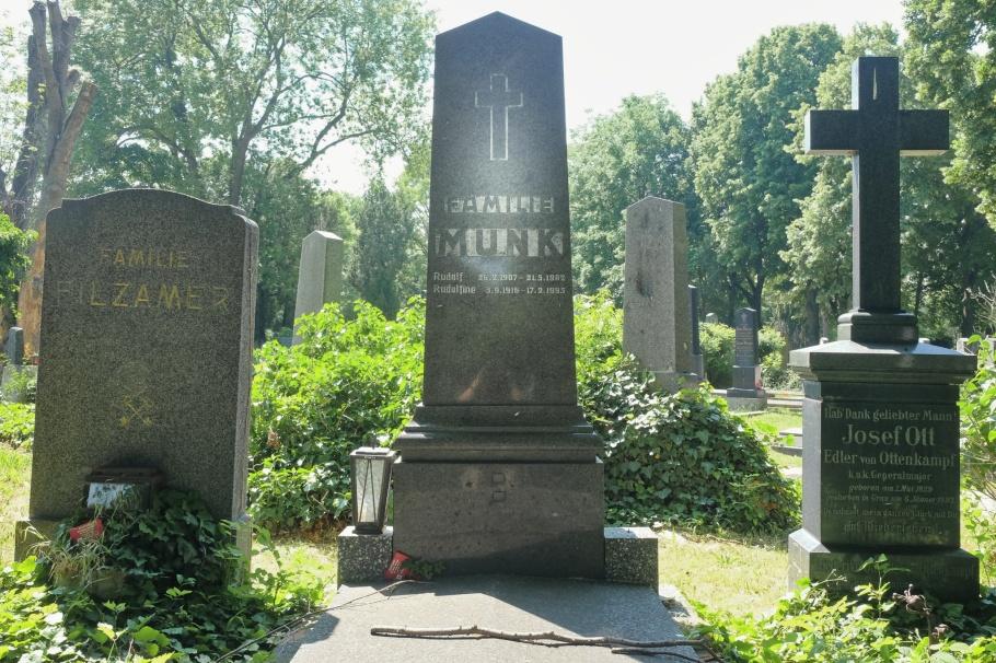 Familie Munk, Josef Stefan, Wiener Zentralfriedhof, Vienna Central Cemetery, Vienna, Wien, Austria, Oesterreich, fotoeins.com