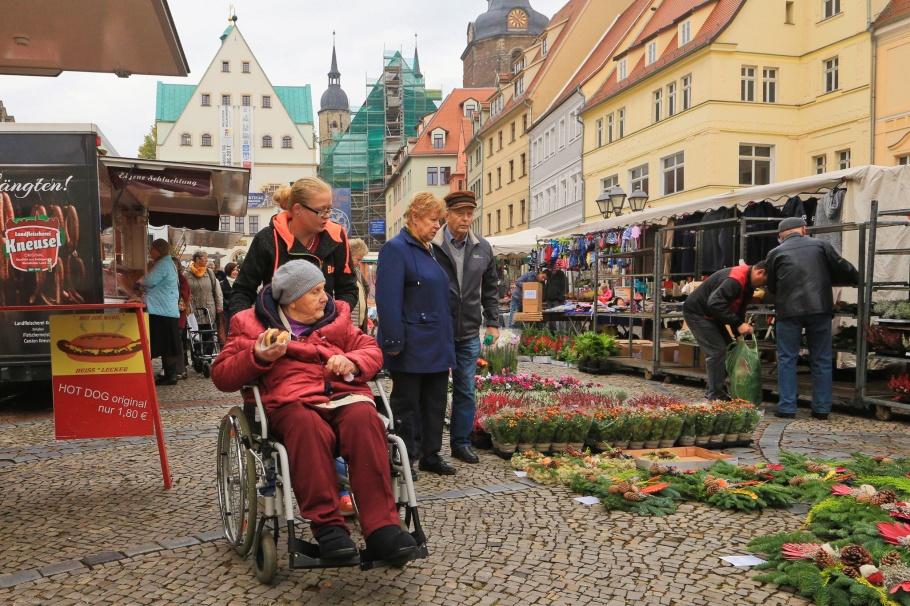 Wochenmarkt, Marktplatz, Lutherstadt Eisleben, Eisleben, Mansfeld-Südharz, Sachsen-Anhalt, Saxony-Anhalt, Germany, Deutschland, fotoeins.com