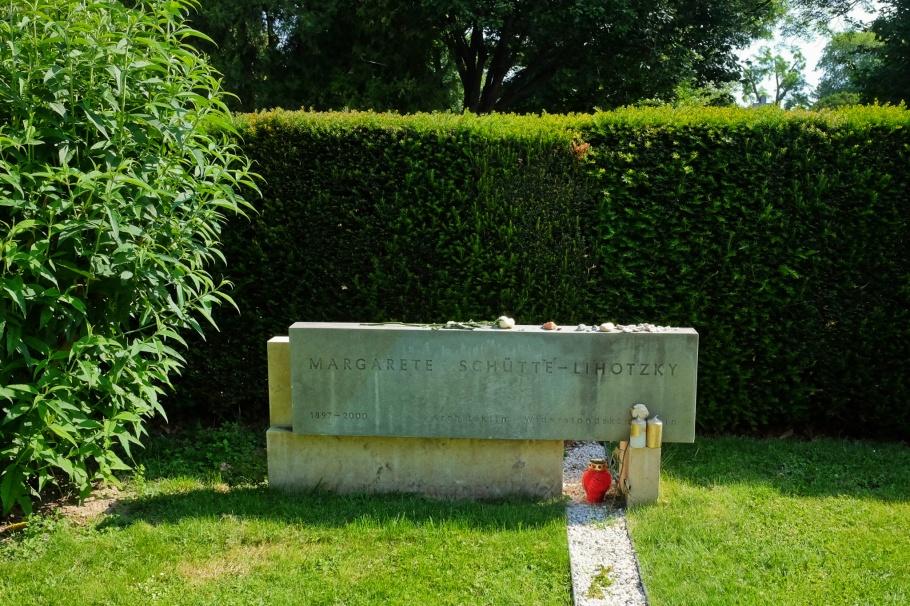 Margarete Schütte-Lihotzky, Wien Zentralfriedhof, Vienna, Wien, Austria, Österreich, fotoeins.com