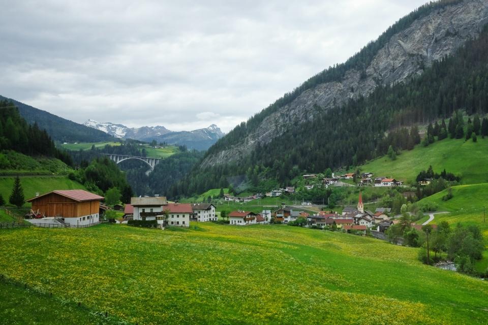 Vals, Brennerbahn, S-Bahn Tirol, St. Jodok am Brenner, Brenner Pass, Tirol, Tyrol, Austria, Oesterreich, fotoeins.com
