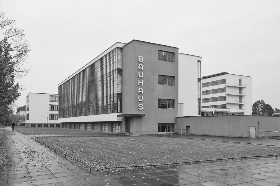 Bauhaus Dessau, Bauhaus, Dessau, Germany, Deutschland, fotoeins, black and white, monochrome