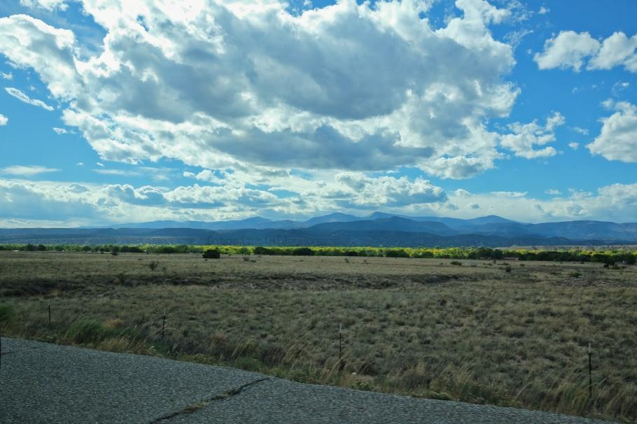 Ohkay Owingeh, San Juan Pueblo, NM 68,  Camino Real, Camino Real de Tierra Adentro, Santa Fe, New Mexico, USA, fotoeins.com