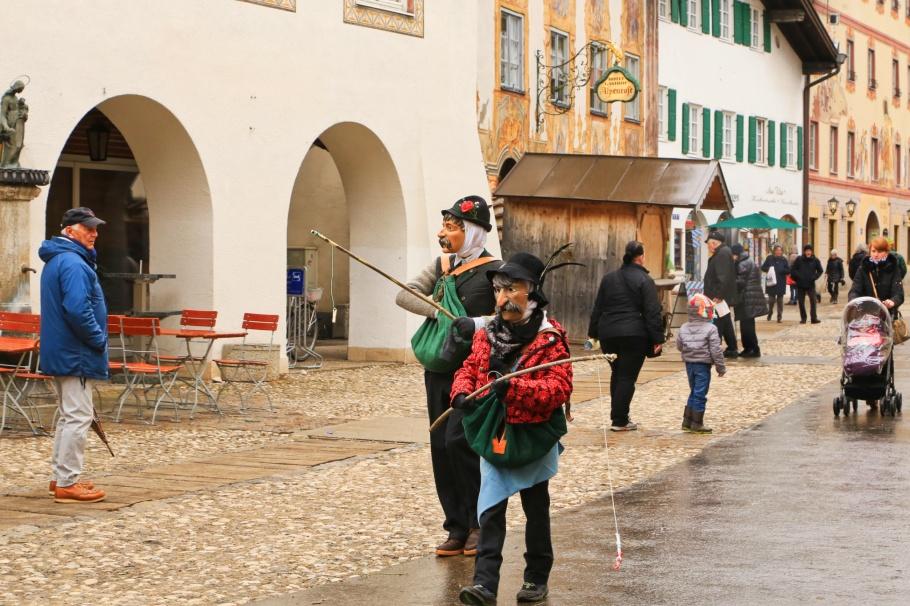 Holzlarven, Larven, Maschkera, Mittenwald, Oberbayern, Upper Bavaria, Werdenfelser Land, Bayern, Bavaria, Germany, Deutschland, fotoeins.com