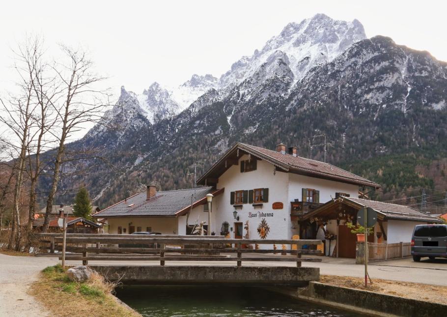 Leutascher Ache, Leutasch canal, Mittenwald, Oberbayern, Bayern, Deutschland, Upper Bavaria, Bavaria, Germany, Werdenfelser Land, fotoeins.com
