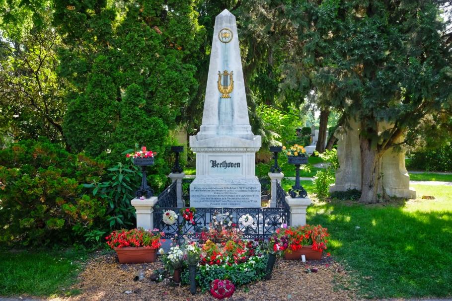 Ludwig van Beethoven, Beethoven grave, Wiener Zentralfriedhof, Wien, Vienna, Austria, Österreich, fotoeins.com
