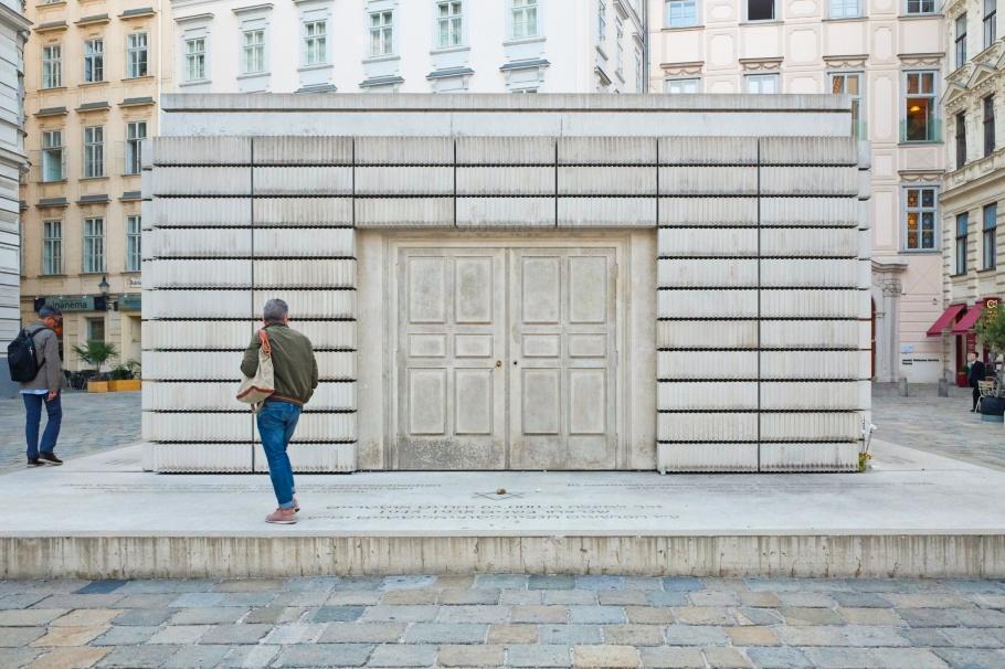Rachel Whiteread, sculpture, Jewish memorial, Judenplatz, Wien, Vienna, Austria, Oesterreich, fotoeins.com