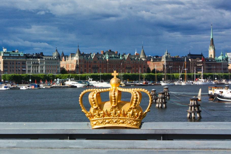 Gilded crown, Skeppsholmsbron, Skeppsholmen, Stockholms ström, Stockholm, Sweden, fotoeins.com