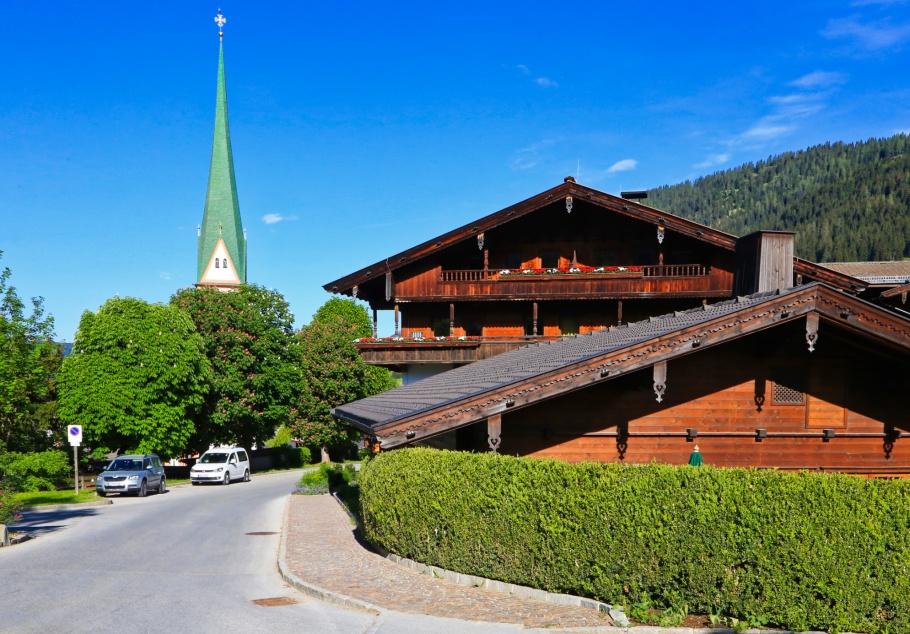 Pfarrkirche St. Oswald, St. Oswald, parish church, Hotel Böglerhof, Alpbach, Alpbachtal, Alpbach Seenland, Tirol, Tyrol, Austria, Oesterreich, fotoeins.com