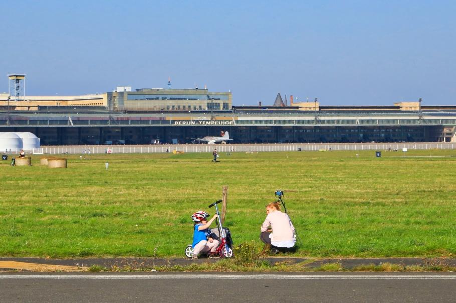 Tempelhofer Feld, Flughafen Tempelhof, THF, Tempelhof, Berlin, Hauptstadt, Germany, Deutschland, fotoeins.com