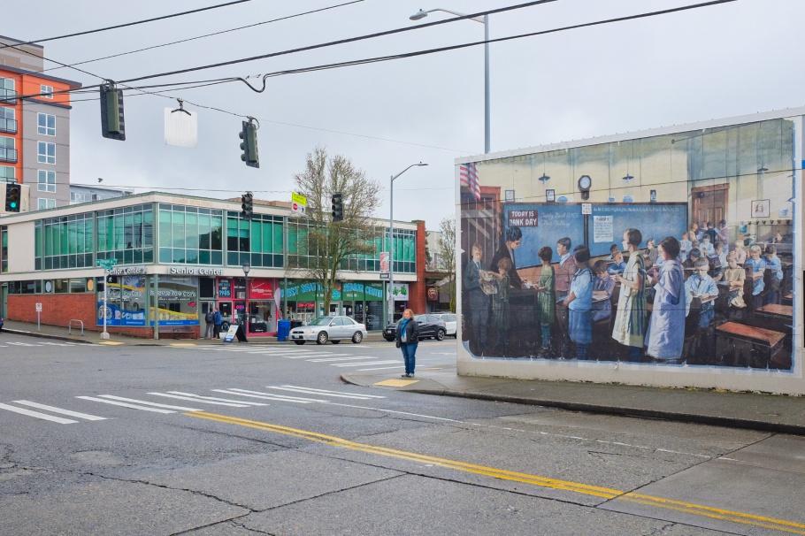 Tuesday Bank Day, Alan Wylie, West Seattle, Seattle, Washington, USA, fotoeins.com
