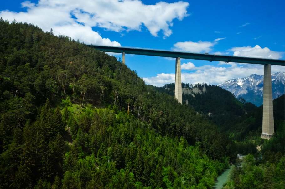 A13, Brenner Autobahn, Europabrücke, Europe Bridge, Sill river, Brennerbahn, S-Bahn Tirol, Patsch, Wipptal, Tirol, Tyrol, Austria, Oesterreich, fotoeins.com