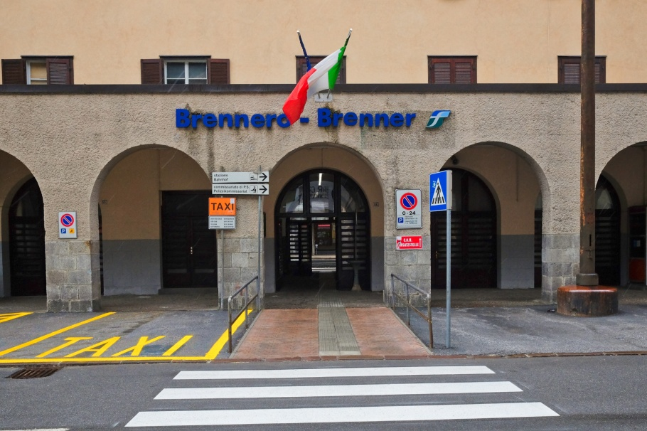Stazione Brennero, Brenner Pass, Brennero, Bolzano, Wipptal, South Tyrol, Italy, fotoeins.com