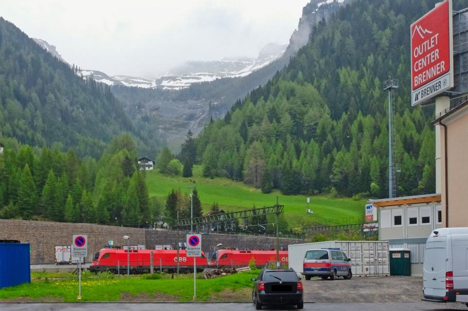 Brenner Pass, Brennero, Bolzano, Italia, Italy, South Tyrol, Brenner, Austria, Oesterreich, Tirol, Tyrol, fotoeins.com
