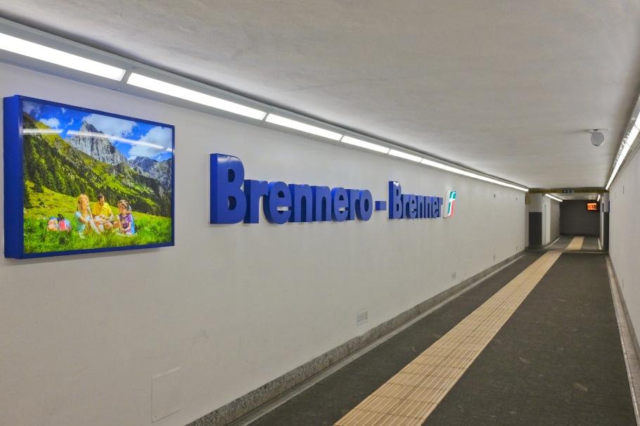Brenner Pass, Brennero, Bolzano, Wipptal, South Tyrol, Italy, fotoeins.com