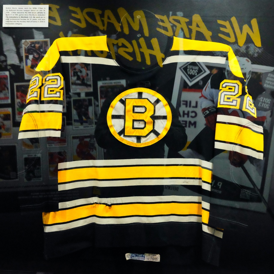 Willie O'Ree, NHL Black Hockey History Tour, black hockey, black hockey history, Jimi Hendrix Park, Northwest African American Museum, Seattle, Washington, USA, fotoeins.com