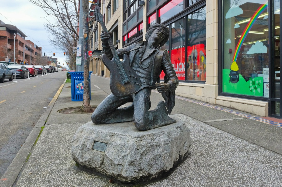 The Electric Lady Studio Guitar, Jimi Hendrix statue, Daryl Smith, Blick Art Materials, Broadway and Pine, Capitol Hill, Jimi Hendrix, Seattle, WA, USA, fotoeins.com