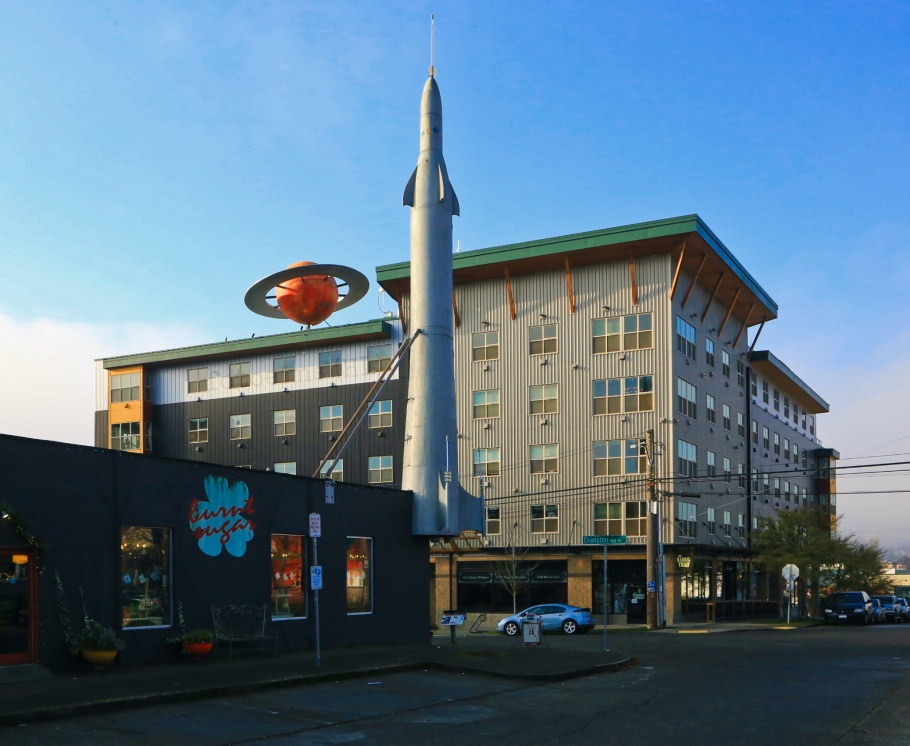 Saturn building, Fremont Rocket, Fremont, Seattle, Washington, USA, fotoeins.com