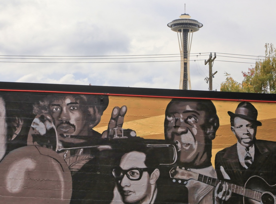 Space Needle, Tower Records, wall mural, Lower Queen Anne, Seattle, Washington, USA, fotoeins.com