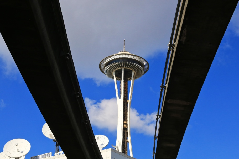 Space Needle, Monorail, KOMO, Seattle, Washington, USA, fotoeins.com