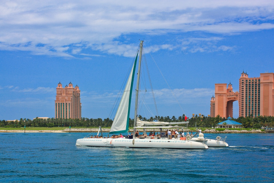 Yes Dear, catamaran, Atlantis Bahamas, Nassau, The Bahamas, Caribbean Sea, North Atlantic Ocean, North America, fotoeins.com