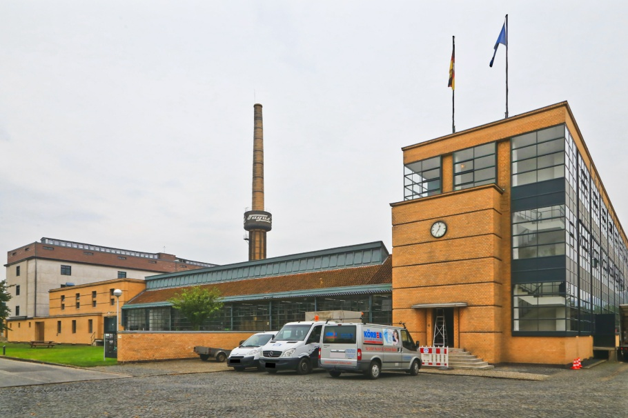 Fagus-Werk, Fagus Factory Building, Fagus, Walter Gropius, Karl Benscheidt, Alfeld, Lower Saxony, Niedersachsen, Germany, UNESCO, World Heritage, Bauhaus, fotoeins.com