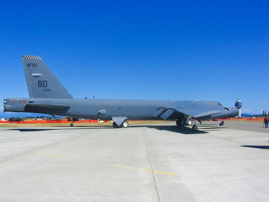 US Air Force, Boeing, B-52H Stratofortress, BD AF60-0041, Comox Air Show, CFB Comox, YQQ, Comox, BC, Canada, fotoeins.com