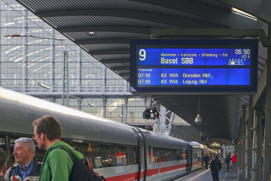 Frankfurt am Main Hauptbahnhof, F Hbf, Frankfurt am Main, Hesse, Hessen, Germany, Deutschland, fotoeins.com