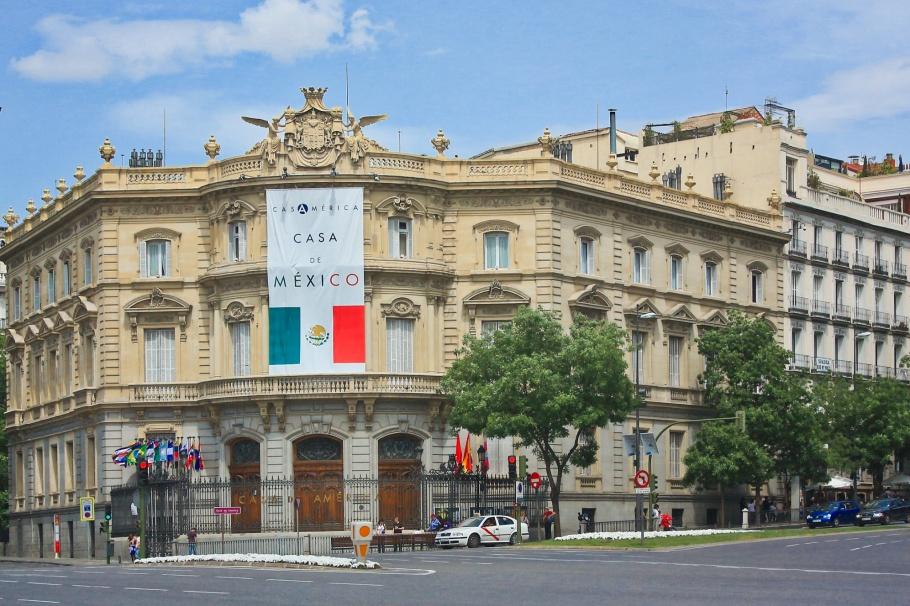 Palacio de Linares, Casa América, Plaza de Cibeles, Paseo del Prado, Madrid, Spain, España, fotoeins.com