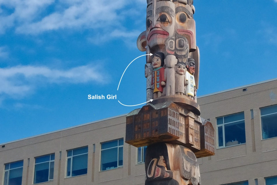 Susan Point, Salish Girl, Reconciliation Pole, James Hart, University of British Columbia, Vancouver, BC, Canada, First Nations, fotoeins.com