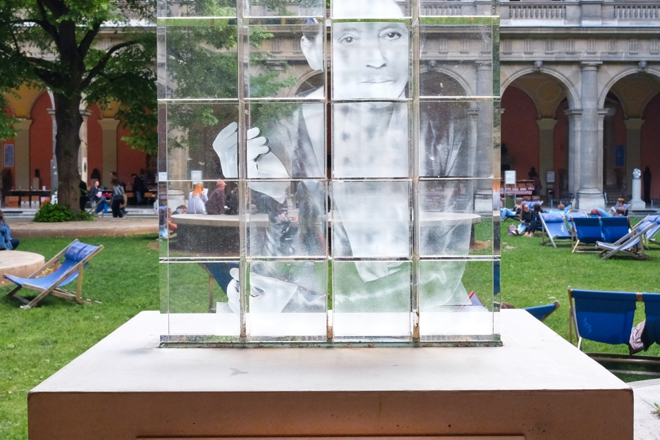 Lise Meitner, Arkadenhof, Universitaet Wien, University of Vienna, physicist, physics, Vienna, Wien, Oesterreich, Austria, fotoeins.com